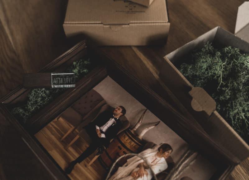 Rentier Moos Renntier Holzboxen individuell graviert für Fotos Natürlich Verpacken meine Holzboxen individuell graviert für Fotografen Videografen Kreativ Verpacken Wedding Box Eure Holzgeschenkbox Jenn und Sascha Mister and Misses Woodbox