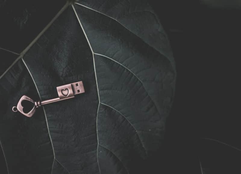 USB-Stick Schlüssel Vintage Holzboxen individuell graviert für Fotos Natürlich Verpacken meine Holzboxen individuell graviert für Fotografen Videografen Kreativ Verpacken Wedding Box Eure Holzgeschenkbox Jenn und Sascha Mister and Misses Woodbox